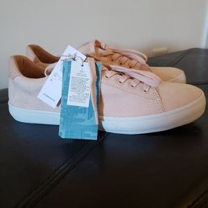 NWT! Faux suede Nude blush pink sneaker shoes